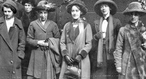 Aktivister: Annie Briggs, Lillian Forrester och Evelyn Manesta.
